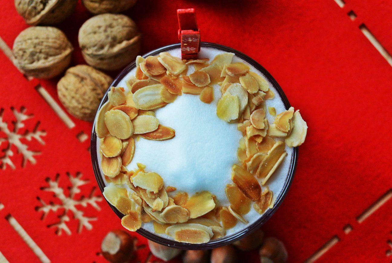 Świąteczna kawa z kremem makowym