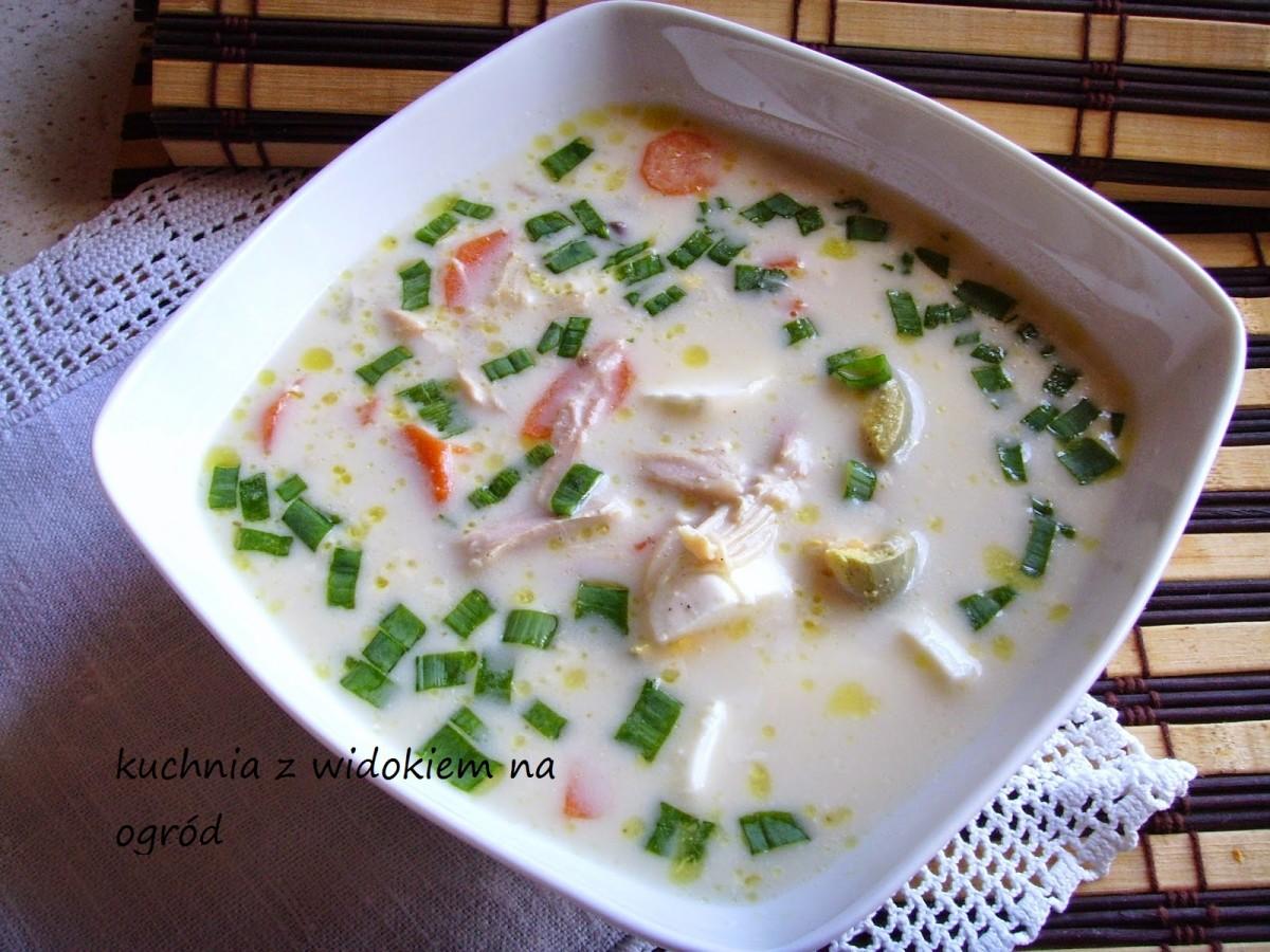 Zupa serowa z mozzarellą. Pyszna, sycąca, wykwintna :)