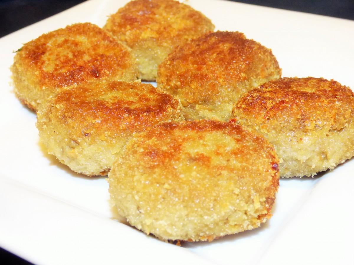 Kotlety z bakłażana z serem żółtym