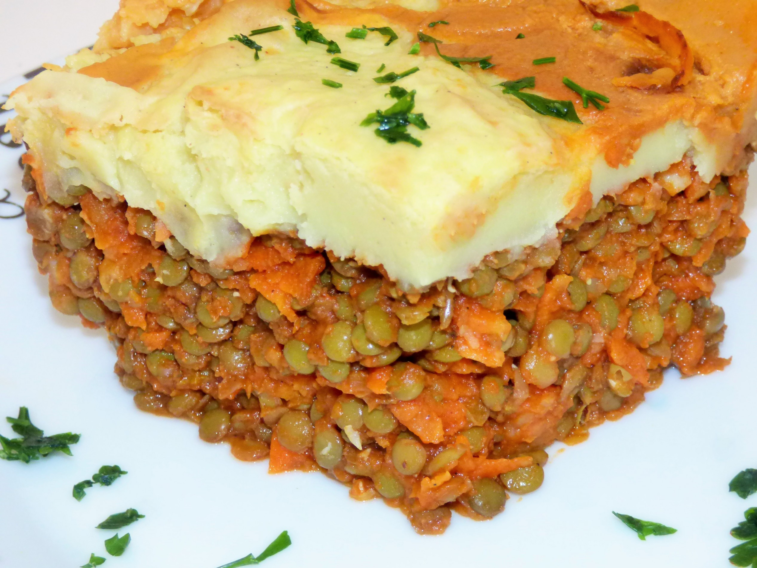 Wegańskie Shepherd pie z soczewicy i ziemniaków