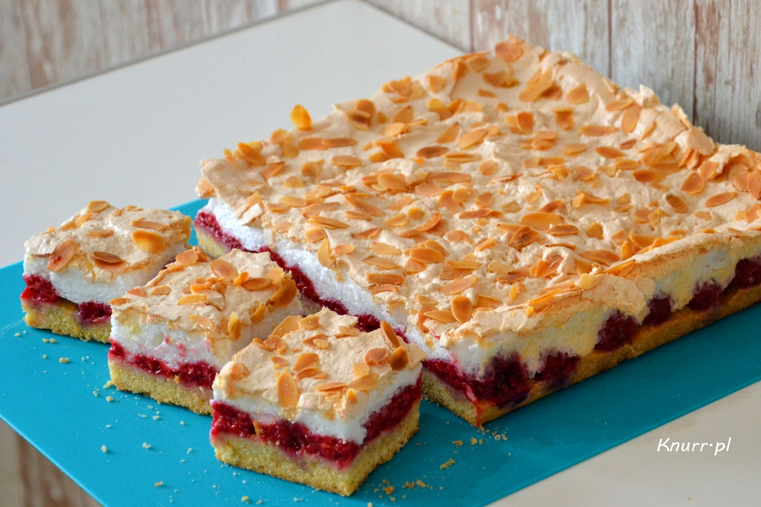 Malinowe ciasto z bezą