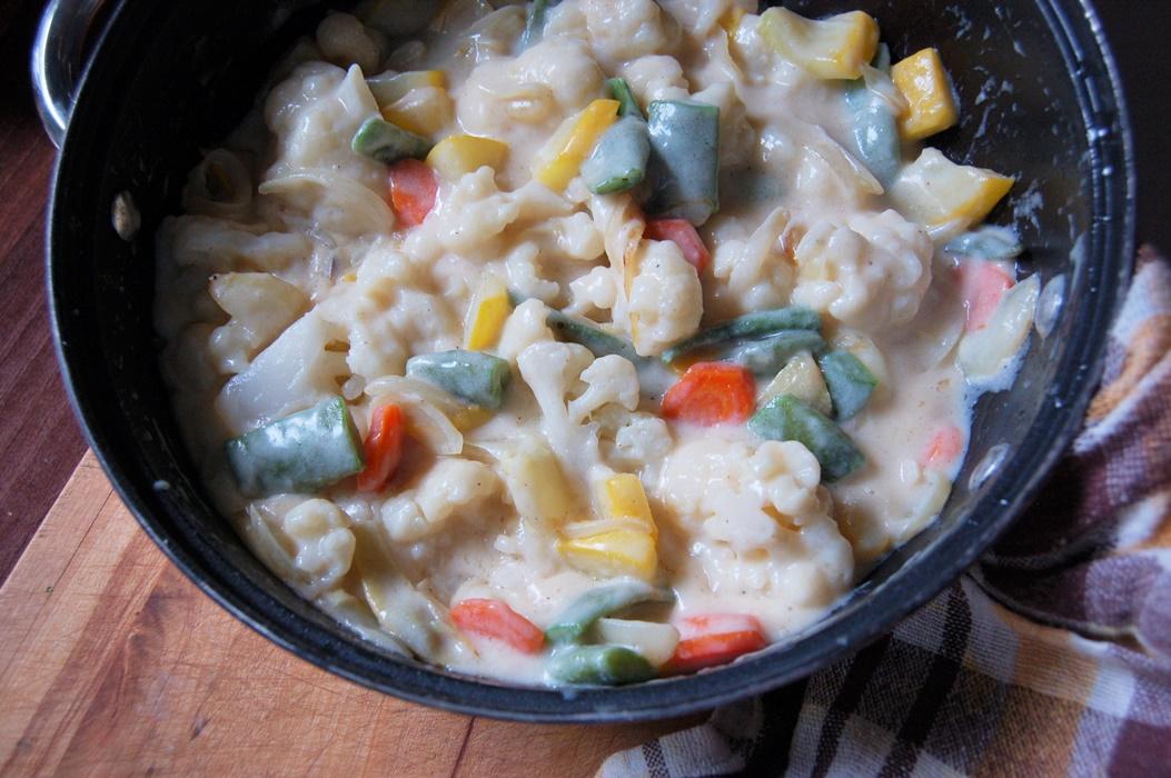 Bukiet warzyw w kremowym sosie