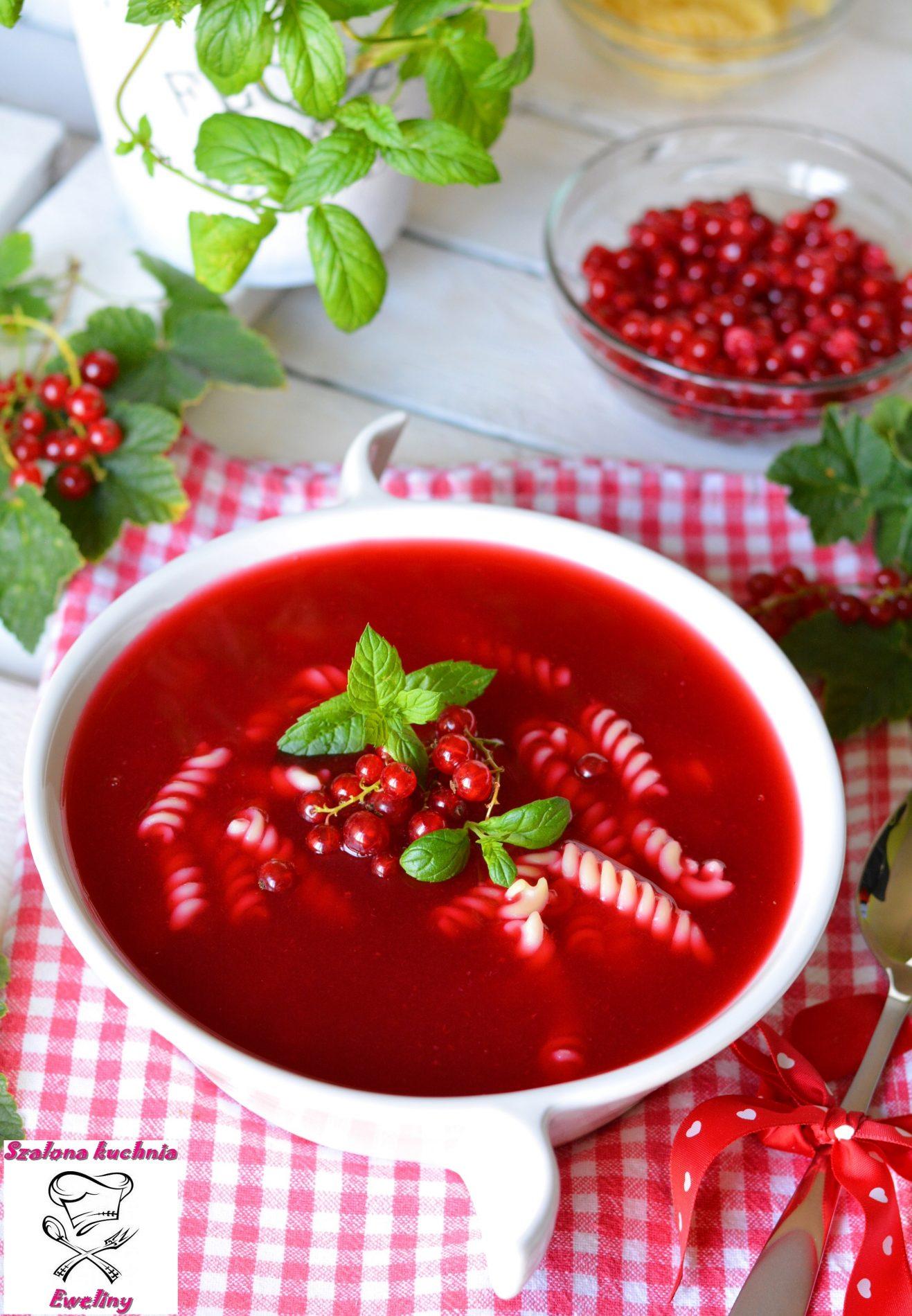 Letnia porzeczkowa zupa