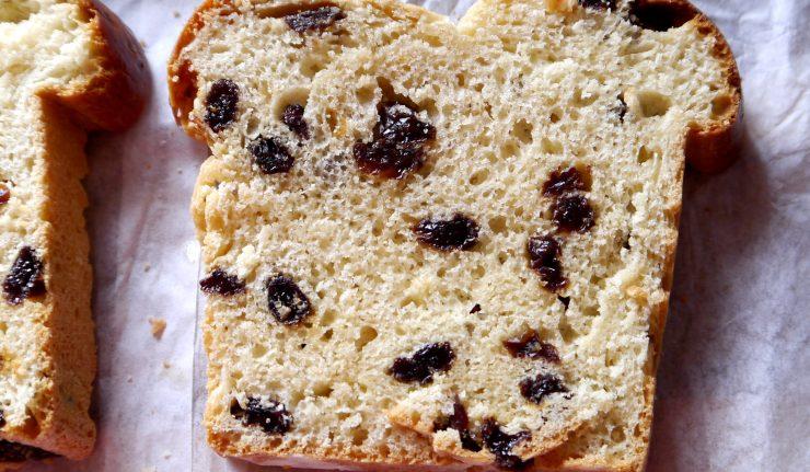 Stuten - niemiecki chlebek z rodzynkami