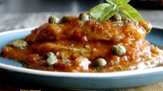 Bitki schabowe we włoskim sosie pomidorowym z kaparami