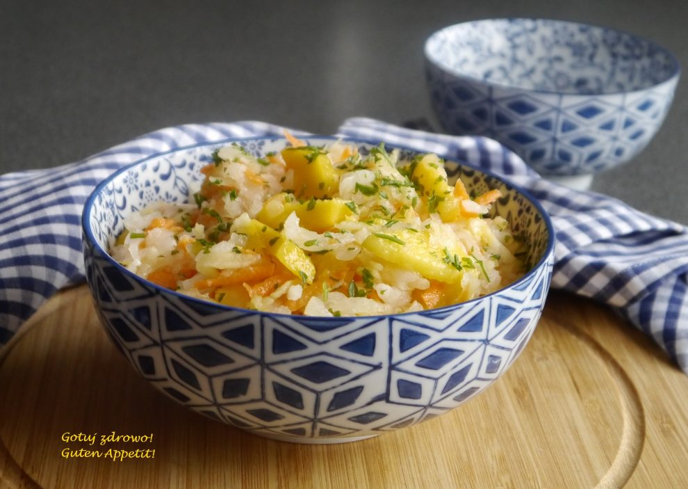 Surówka z białej rzodkwi i mango - fit