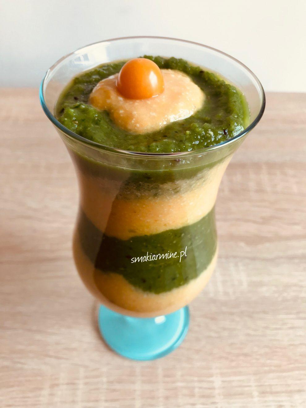 Kolorowe smoothie z groszkiem cukrowym i orzechami nerkowca