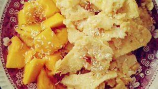Przepis na kokosowy omlet cesarski z mango