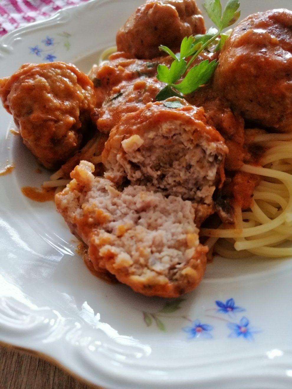 Spaghetti z klopsikami z indyka i ricottą