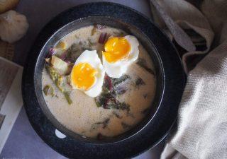 Zupa szczawiowa ze szparagami