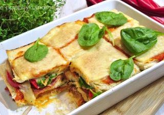 Zapiekanka Tostowa Z Szynką I Sosem Pomidorowym