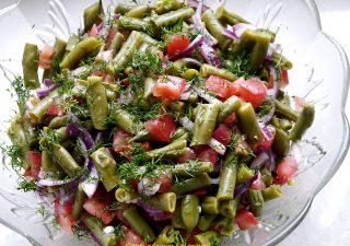 Sałatka z zielonej fasolki szparagowej z sosem musztardowym