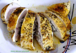 Filet z kurczaka faszerowany pieczarkami - fit