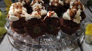 Muffiny czekoladowe z winogronową nutką