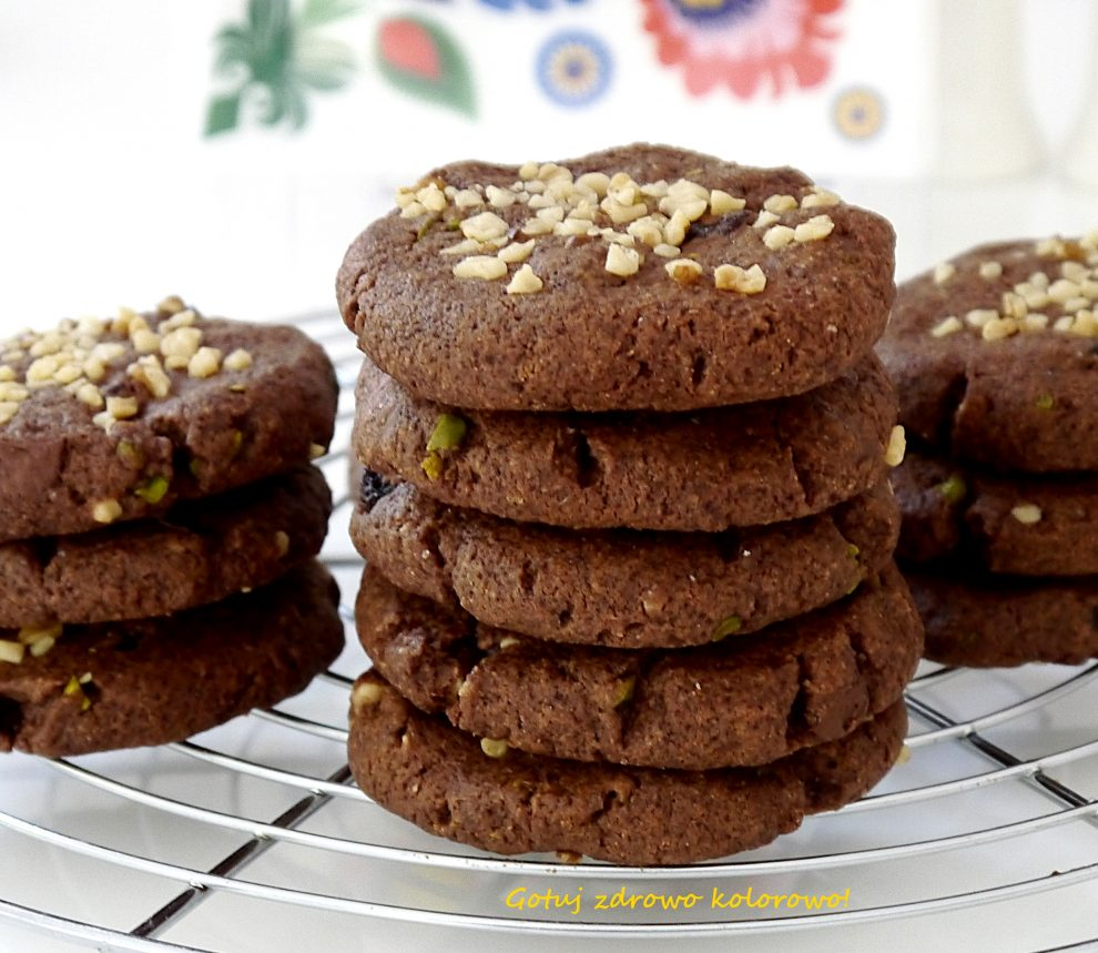 Kruche ciasteczka czekoladowe z żurawiną i orzechami włoskimi - American cookies