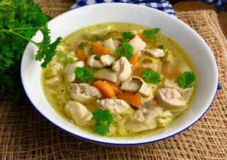 Zupa kurczakowa z lanymi kluseczkami