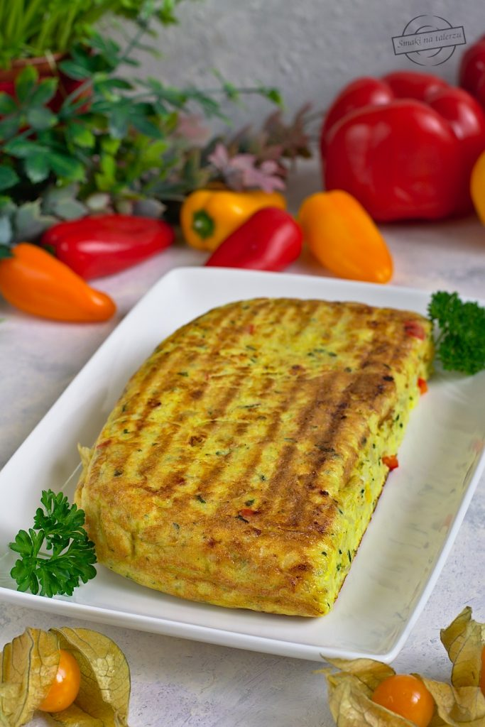 Ziemniaczany omlet z papryką