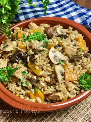 Risotto z grzybami suszonymi i kurczakiem na winie