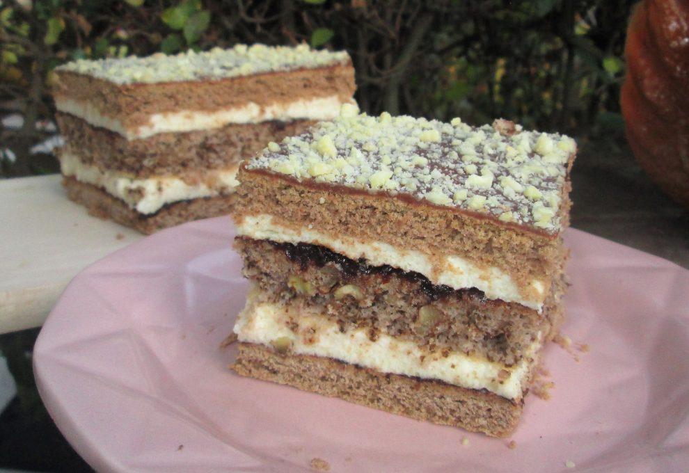 Ciasto piernikowo-orzechowe z kremem i powidłami-idealne na święta, pyszne