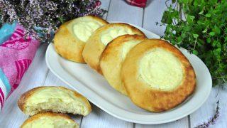 Bułki drożdżowe z serem białym