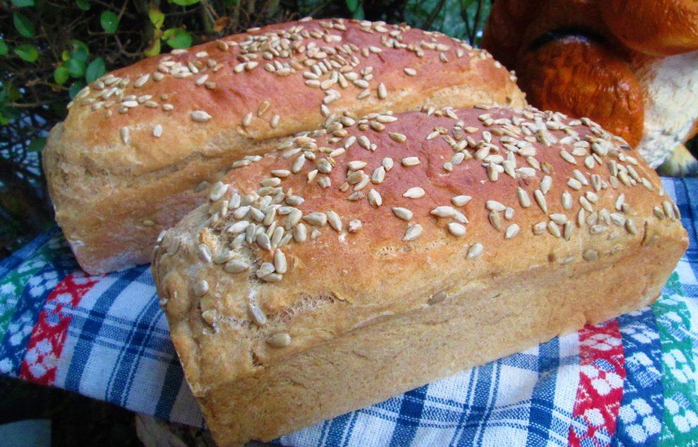 Domowy chleb bez wyrabiania, zawsze wychodzi (z mąką pełnoziarnistą) - mój HIT