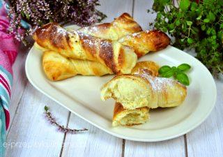Drożdżowe paluchy z serem