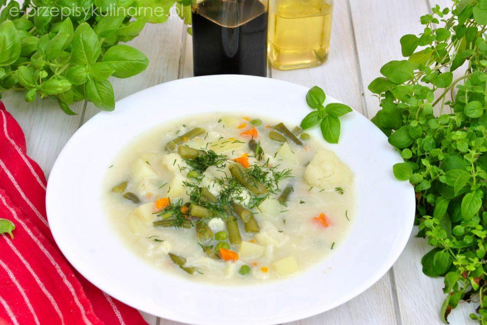 Zupa jarzynowa – przepis na domową zupę