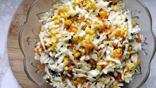 Surówka z kapusty pekińskiej i kukurydzy - fit