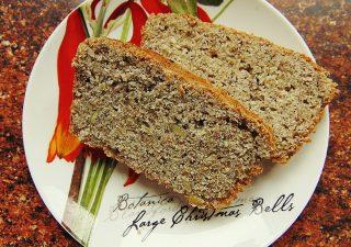 Chleb pszenno - ryżowy z ziarnami