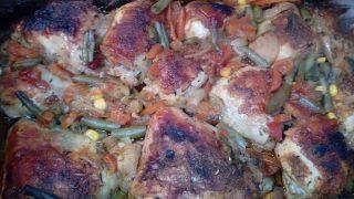 Kurczak pieczony z warzywami i sosem słodko - kwaśnym