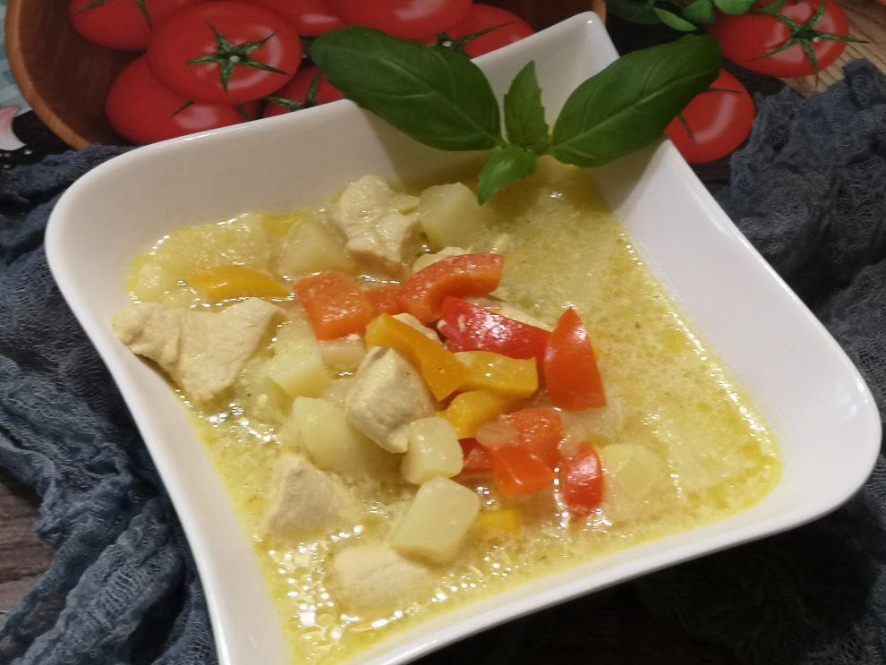 Abstrakcyjna zupa z kurczakiem