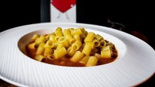Zupa pomidorowa ze smażonym makaronem