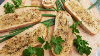 Chrupiące i aromatyczne pieczywo z grilla / Crispy herbal grilled bread