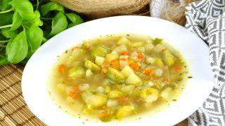 Zupa z brukselką – lekka i pożywna