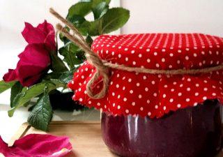 Dżem z płatków róż na miodzie