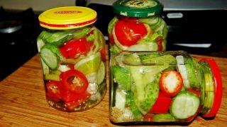Ogórki marynowane ze świeżym chilli