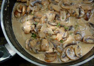 Pyszny sos pieczarkowy, doskonały do obiadu