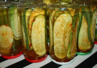 Kanapkowe ogórki z chilli