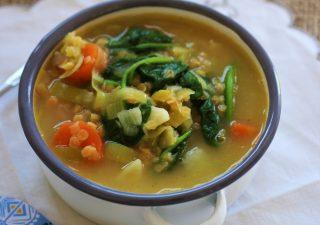 Szkocka zupa z czerwonej soczewicy