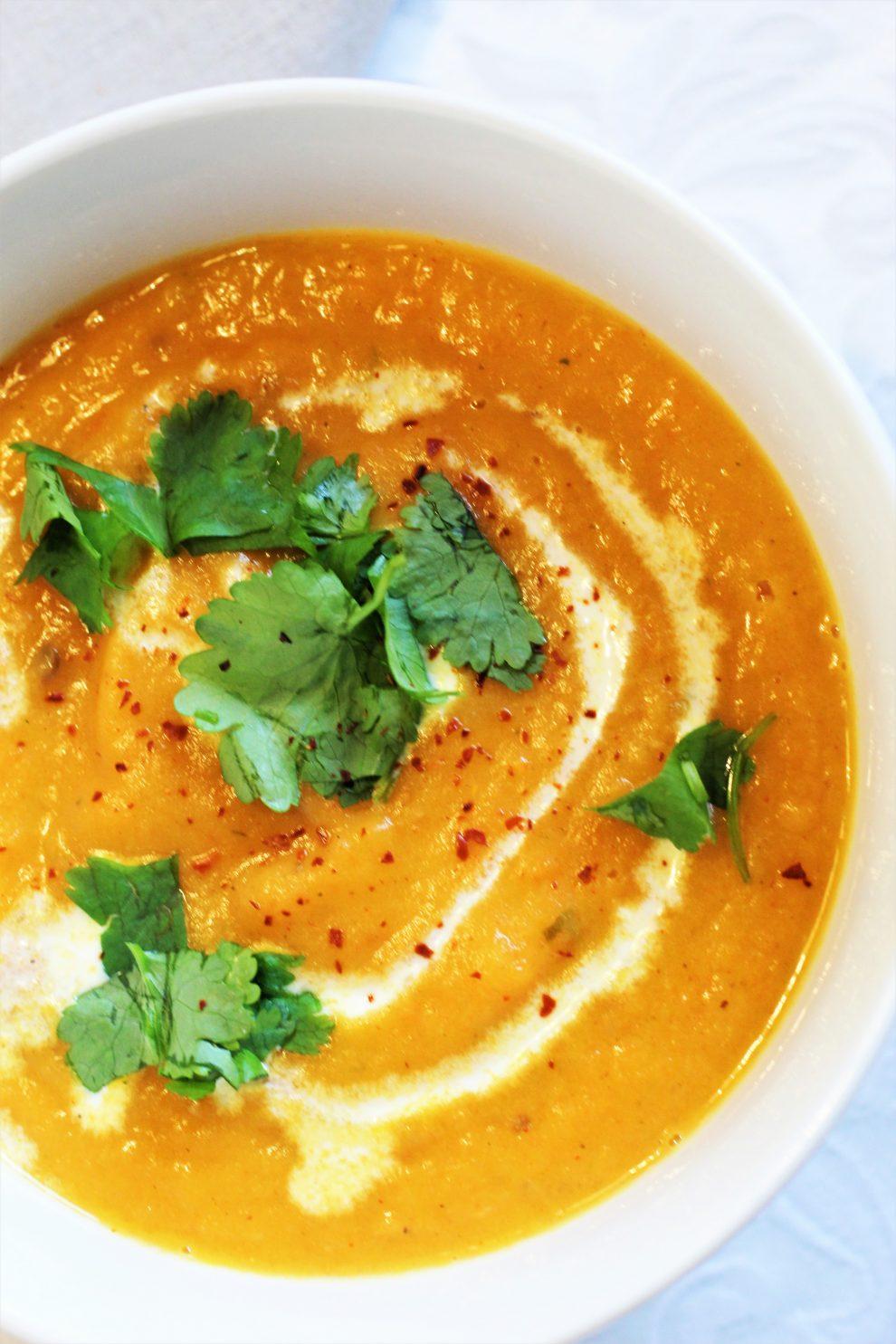 Zupa z marchewki i kolendry