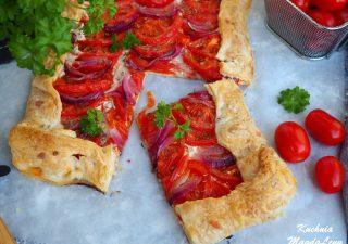 Tarta z pomidorami i serkiem
