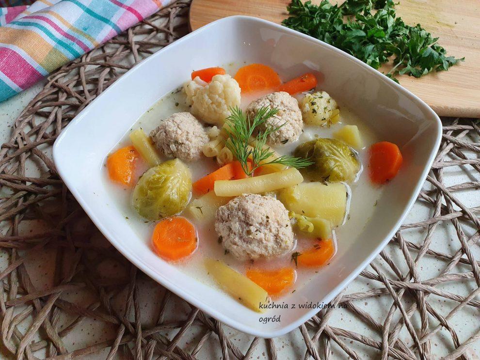 Zupa jarzynowa z klopsikami