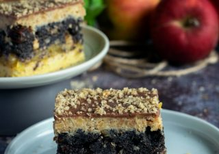 Ciasto jabłkowo-makowo-orzechowe