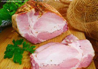 Schab gotowany w rękawie – mięciutki i delikatny