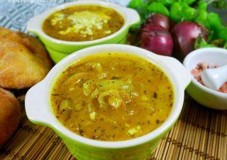 Zupa cebulowa – przepis na pyszną i szybką zupę