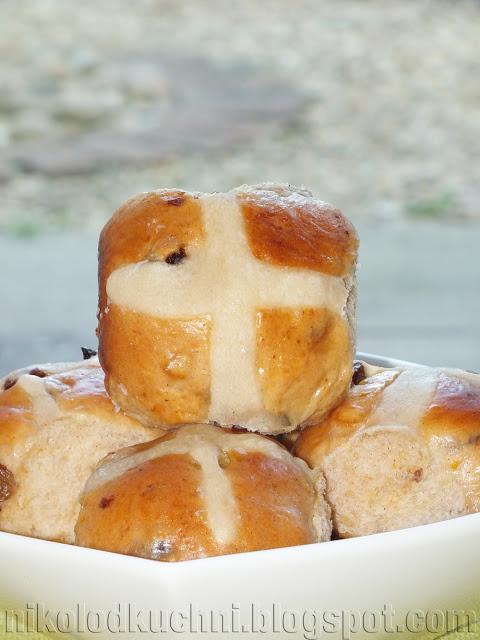 Wielkanocne Bułeczki z Krzyżykiem