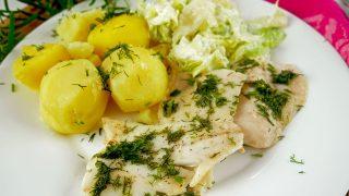 Ryba pieczona w piekarniku – prosty przepis na zdrowy i pyszny obiad