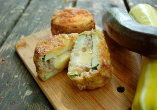 Kotlety z cukinii nadziewane serem i mięsem, pomysł na obiad