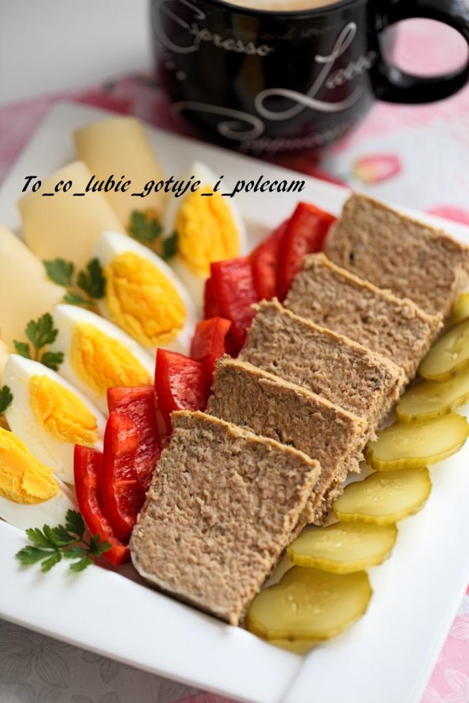 Pasztet z gotowanego mięsa z rosołu i warzyw